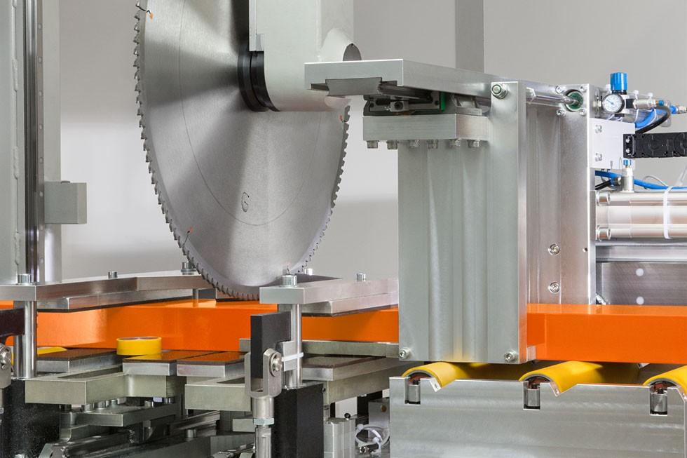 SBZ 628 – Profile machining centre saw unit (2015) Elumatec
